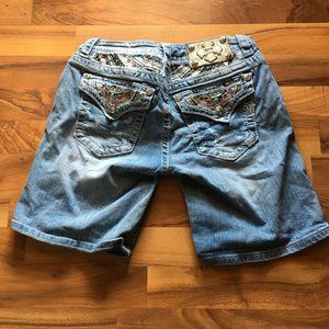 Jean shorts with jewels